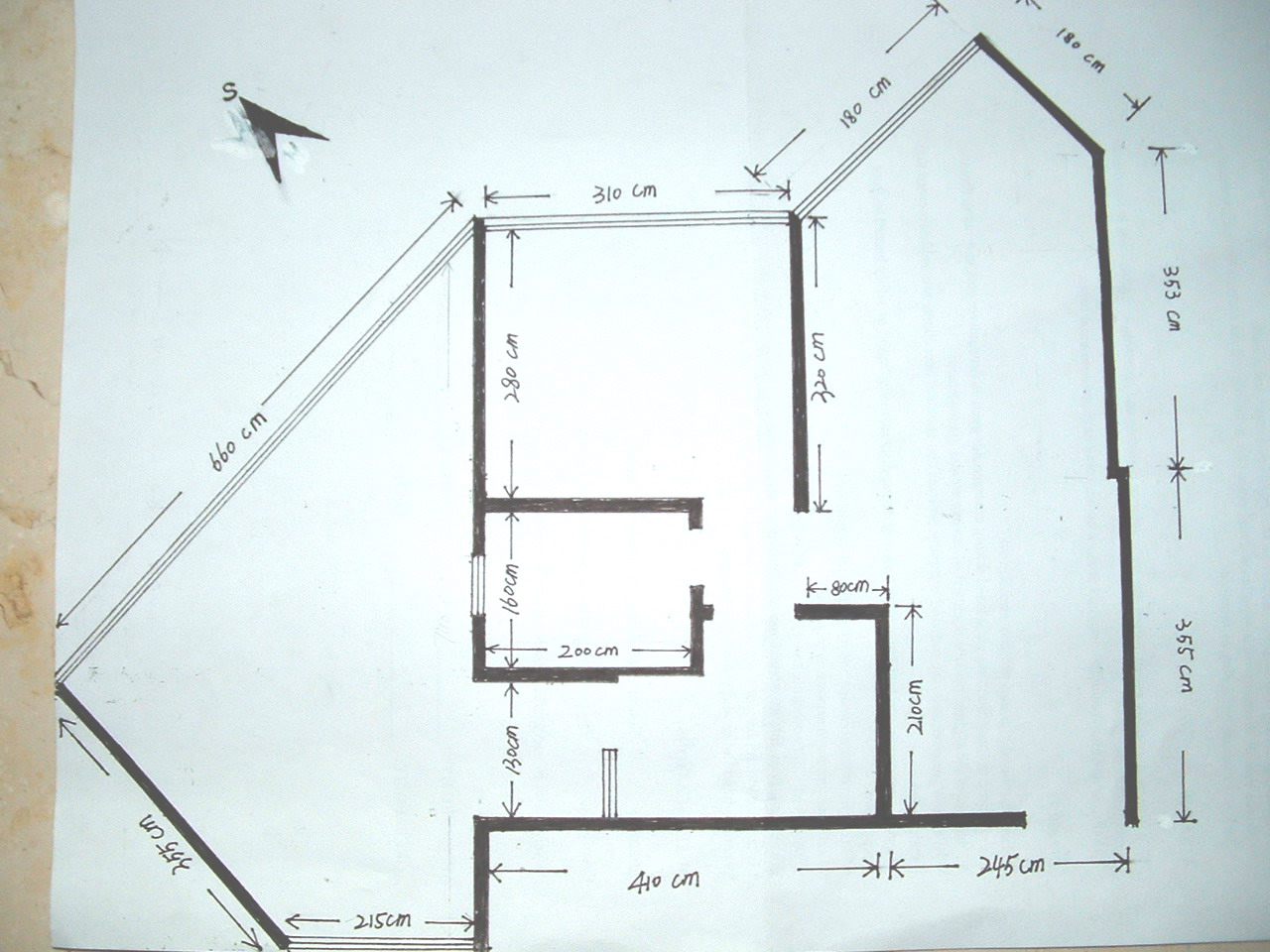 这是房间的手绘平面图.本来是准备给设计师做方案的.