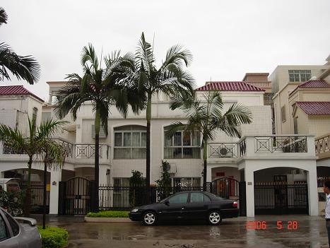 120 置业惠州  > 半岛一号别墅出售,   地板 只看此人 引用 点赞 2006