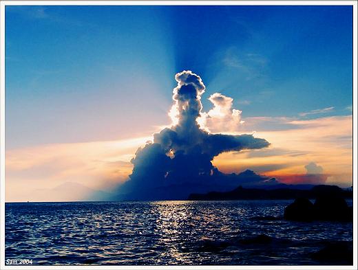 荡胸生层云,决眦入归鸟 好久没见如此的晚霞了