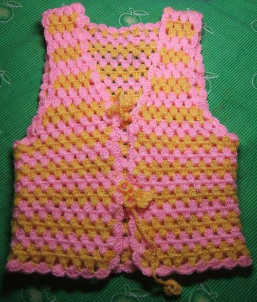 手工编织的宝宝背心,钩针宝宝鞋