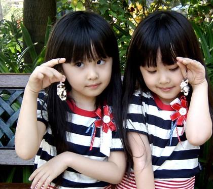 台湾双胞胎姐妹sandy&mandy超可爱照片