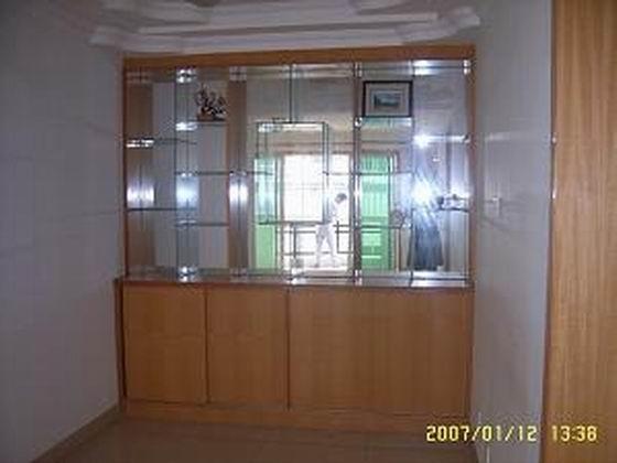 客厅家具,可以放很多摆件的柜子很实用图片