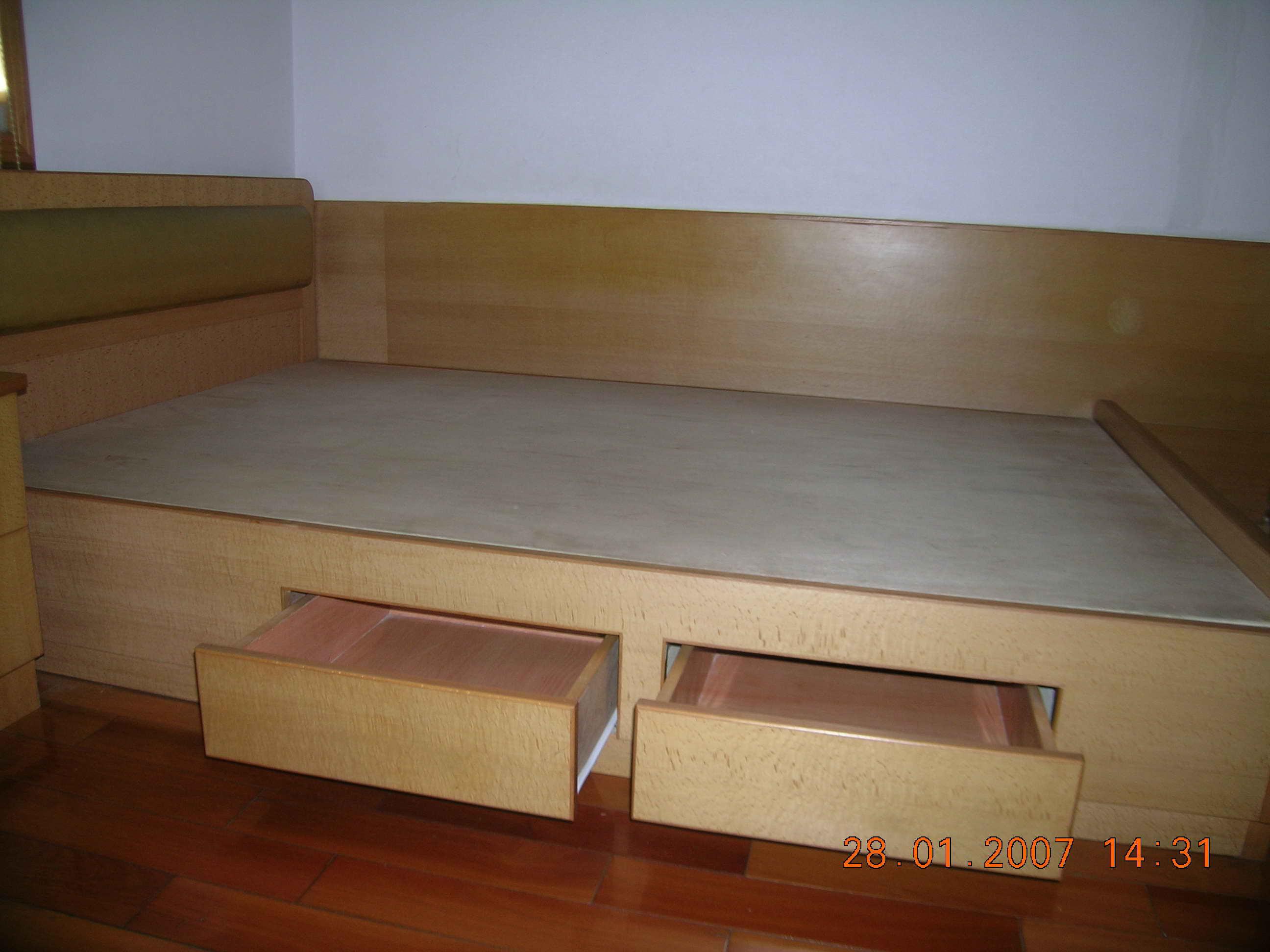 木工自制白漆床头效果图·