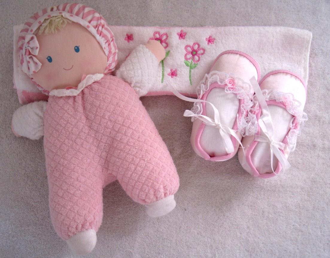漂亮可爱得可以当装饰品的婴儿小鞋鞋上新款了,有几款小男孩的哦