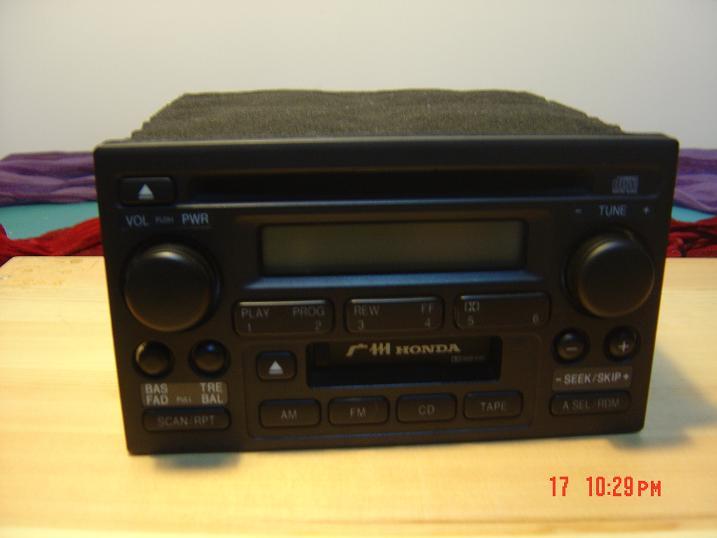 本田车原装cd机 2002年本田雅阁车上的原装cd机