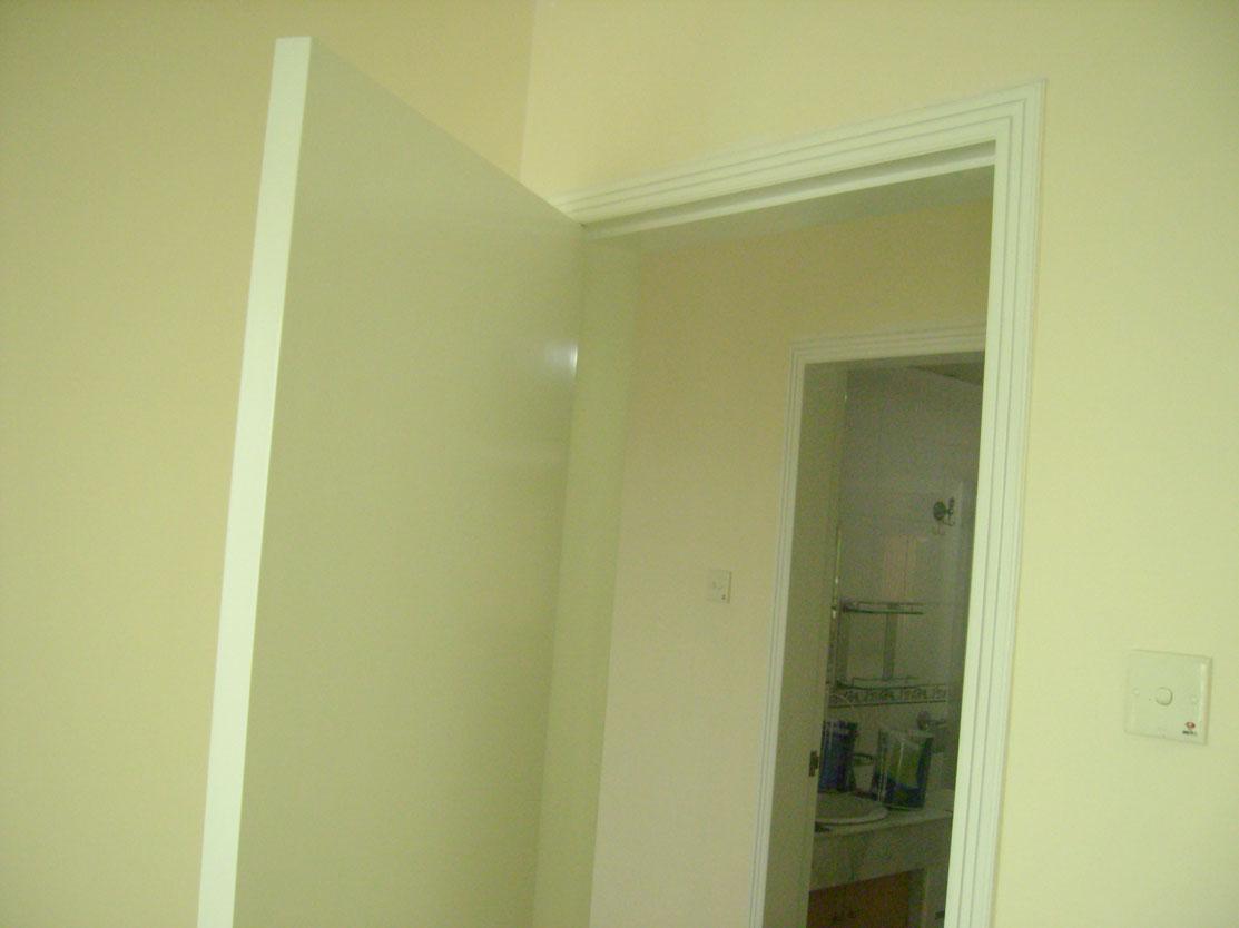 墙面翻新刷漆,木家具油漆翻新改色.木地板机器打磨刷漆.