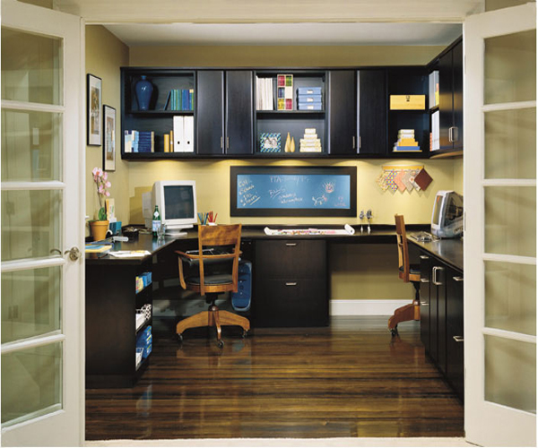 各种款式的衣柜,书柜,电视柜,装饰柜及推拉门隔断门,量尺订做价