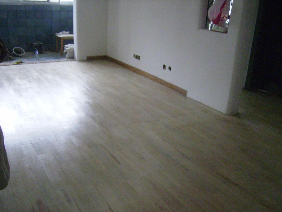 专业木地板机器打磨翻新