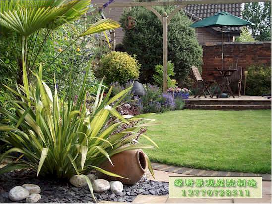 > 私人露台庭院景观设计·防腐炭化木制品·微型流动水景